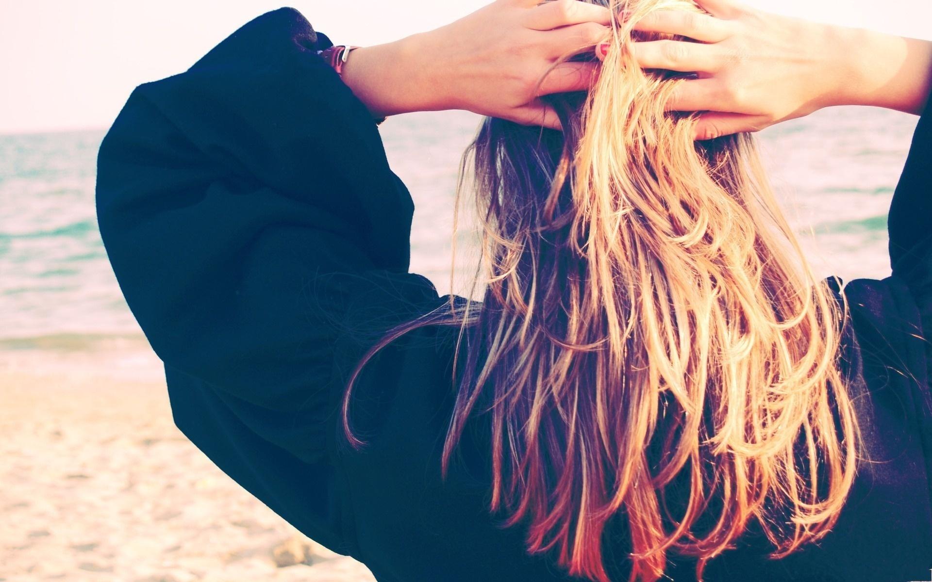 Фотографии красивых девушек со спины с русыми волосами 12 фотография