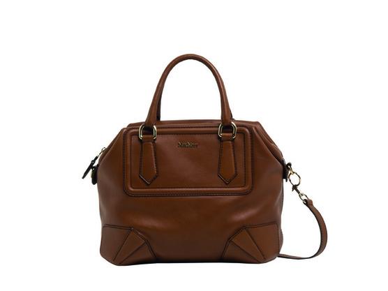 Мax Mara представила новую сумку Olimpia из коллекции весна–лето 2011...