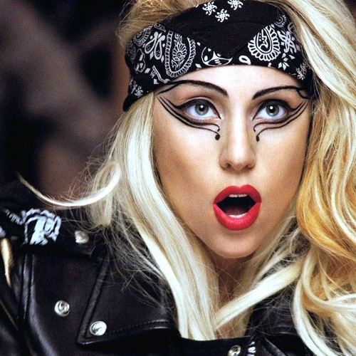 Леди Гага создаст свою линию косметики