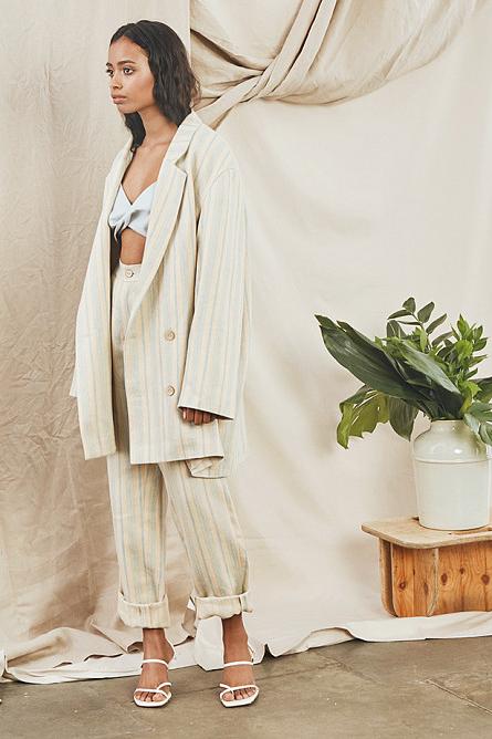 Фото: 4 лучших костюма из натурального льна российских брендов