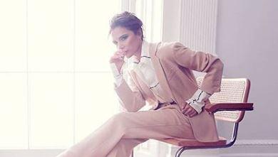 Фото: Виктория Бекхэм носит дерзкие сапоги