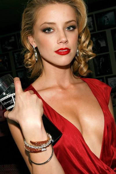 http://www.fashiontime.ru/upload/iblock/cc8/828017e36614l1291746113_offer_AmberHeardw600h600.jpg