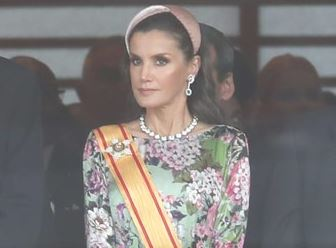 Фото: Королева Летисия продемонстрировала прическу с ультра-модным ободком