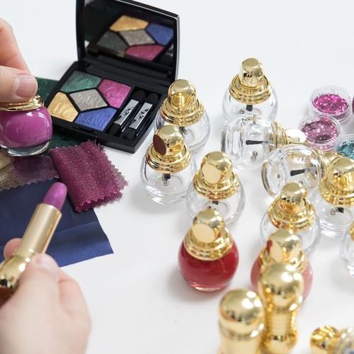 Dior представили рождественскую коллекцию макияжа