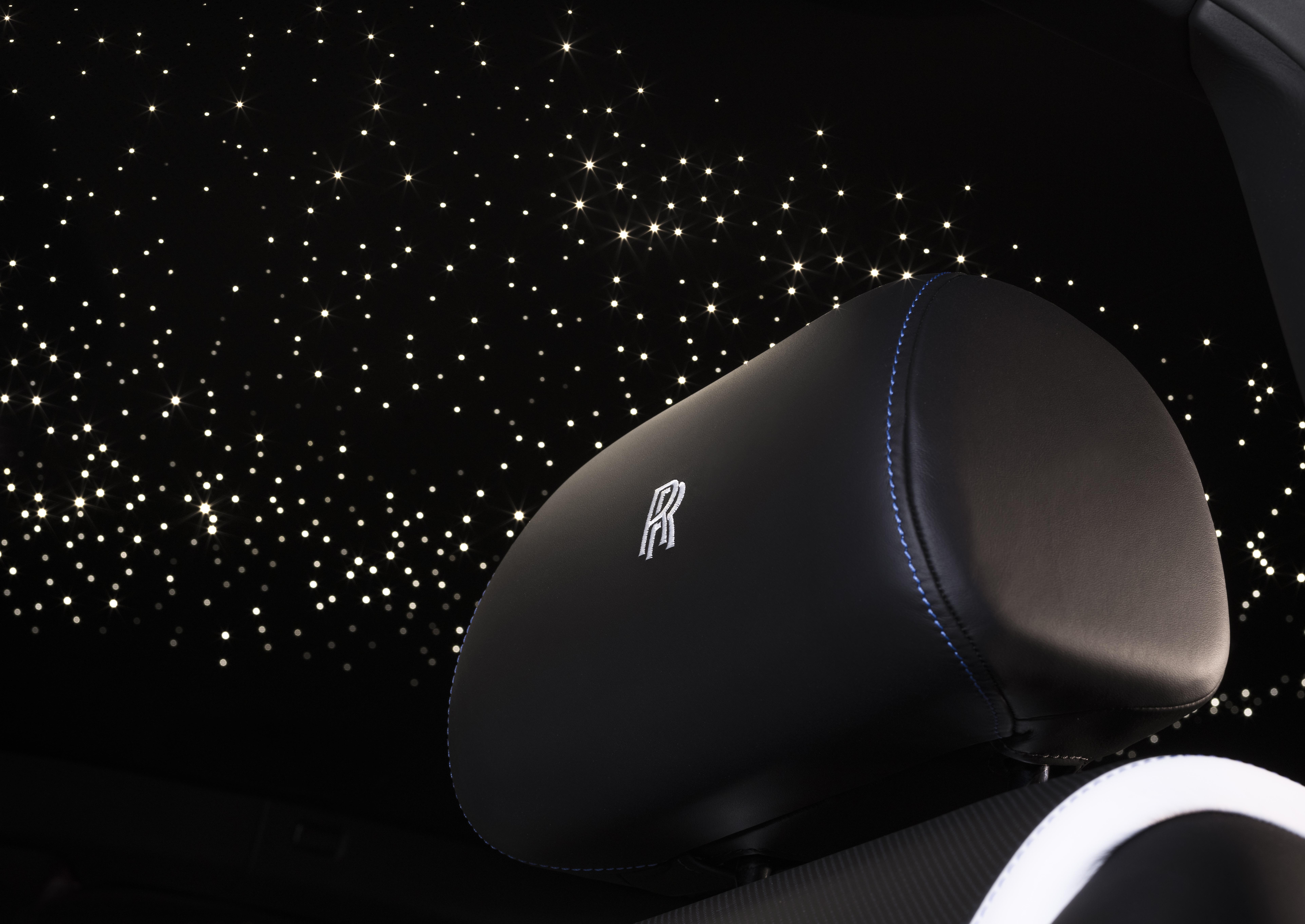 Фото: Набор для пикника, «звездное небо» и другие самые популярные опции для люксовых машин