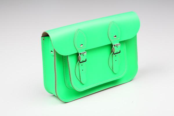 PODIUM предлагает шопинг-услугу персонализации сумки Original Satchel Фото.